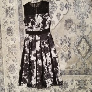 Floral TAHARI Dress